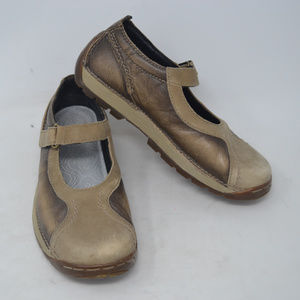 DOC MARTENS 2B29  Tan/Brown Leather Mary Jane Shoe